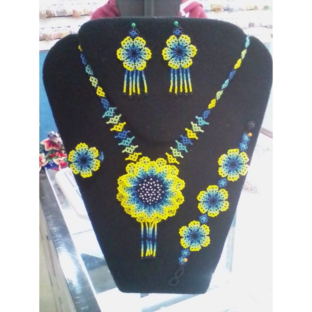 Necklaces D Rendi