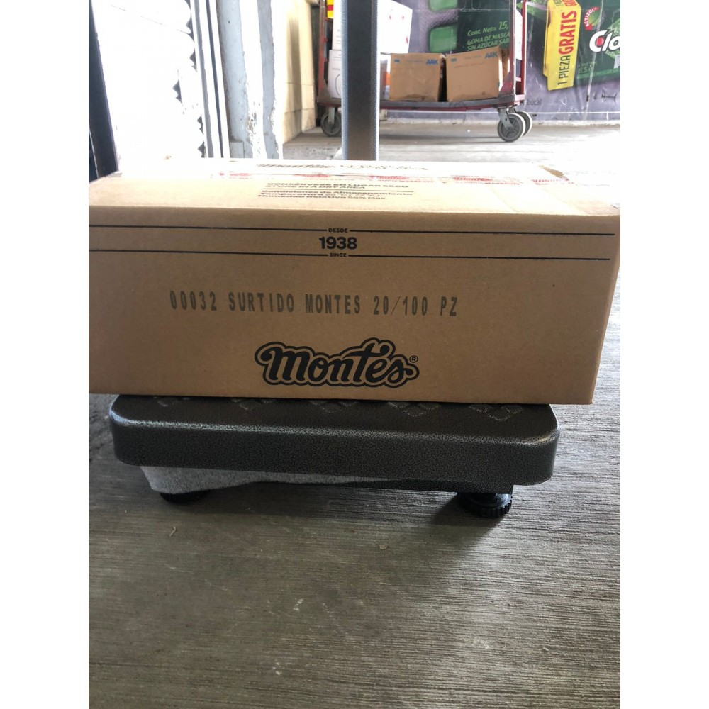 Montes Candy´s box 20 packs of 100 pieces each