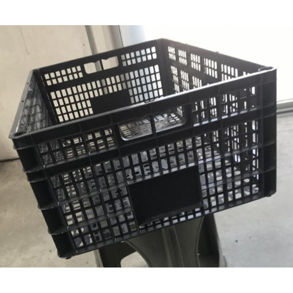 Plastic cargo box for farmers